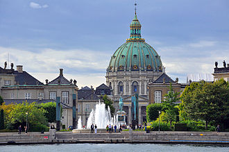 Amaliehaven - Image: Amalienborg and Marble Church view