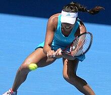 Ana Ivanović in azione agli Australian Open 2008
