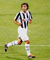 Andrea Pirlo in azione con la Juventus nel 2011.