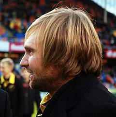 Andreas Andersson during an interview, 2012, cropped.jpg