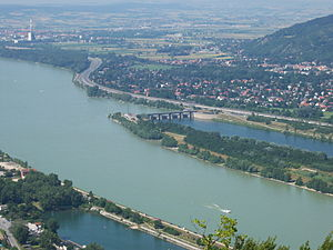 New Danube - View from the Leopoldsberg of the start of the Danube Island and branching off of the New Danube at the influx building in Langenzersdorf