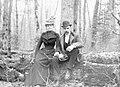 Anna & Axel F. Larson c 1900.jpg