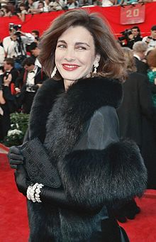 Anne Archer, 1989-03-cropped.jpg