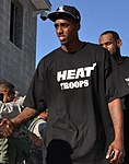 Anthony Mason meets the 96th Ground Combat Training Squadron (cropped).jpg
