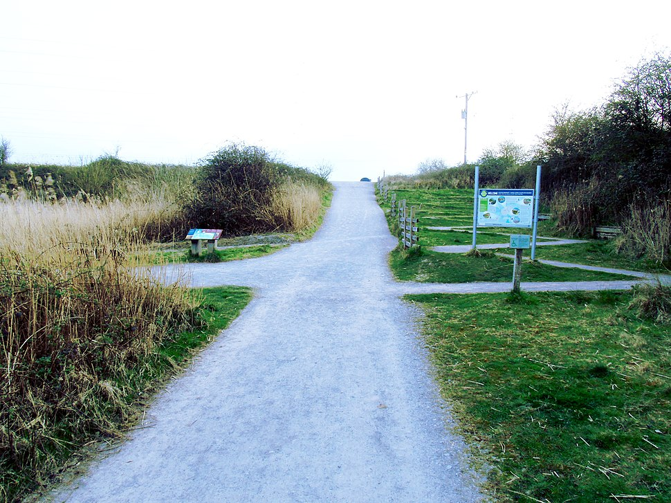 Approaching Hill at Newport Wetlands RSPB Reserve