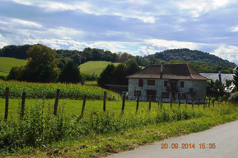Arrast-Larrebieu General View