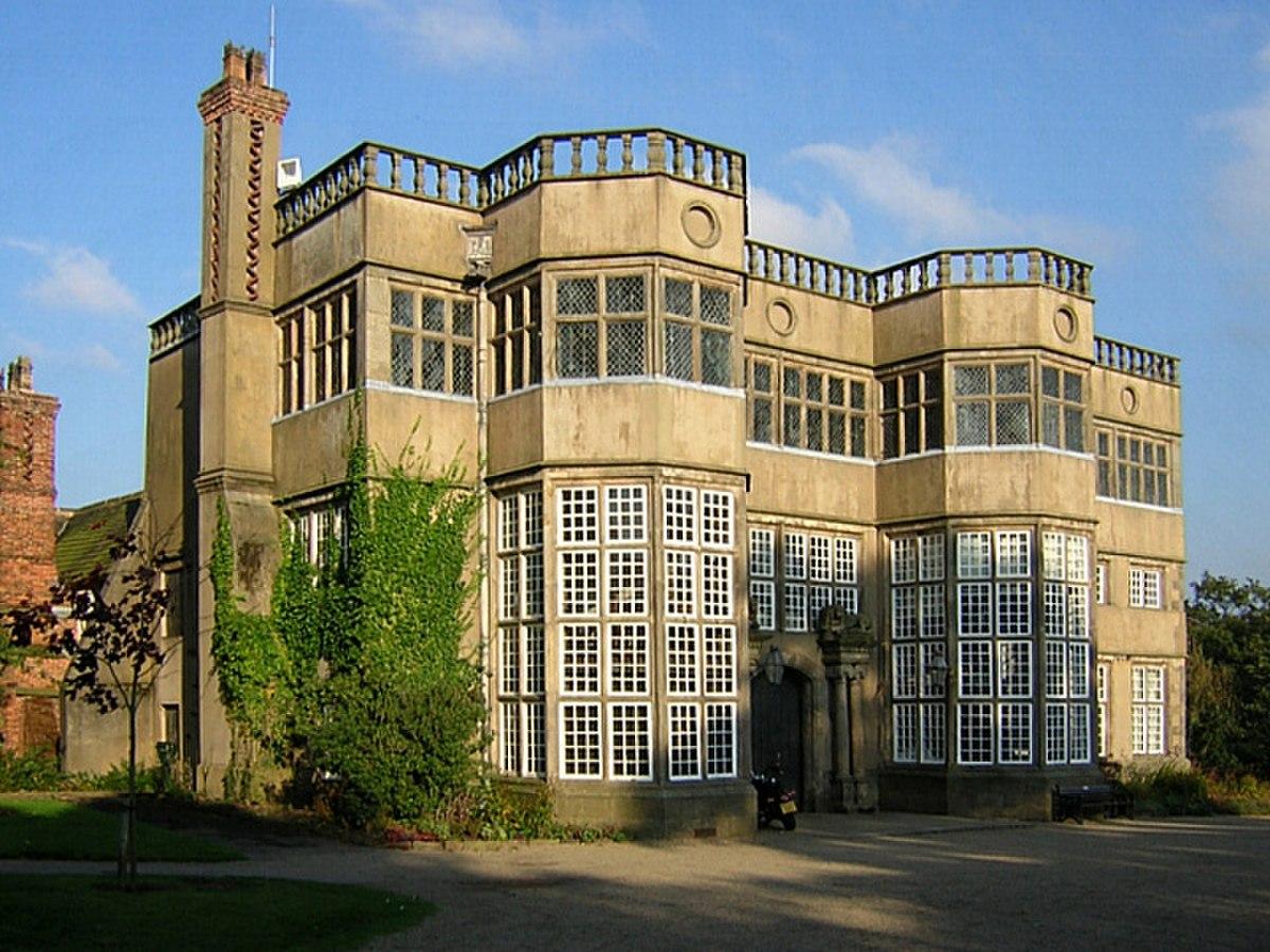 Astley Hall.jpg