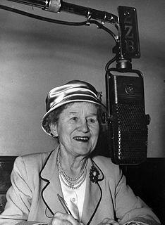 Aunt Daisy New Zealand broadcaster