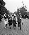 Az Országos Gyermekvédő Liga nővére és gyerekek 1943-ban. Fortepan 72342.jpg