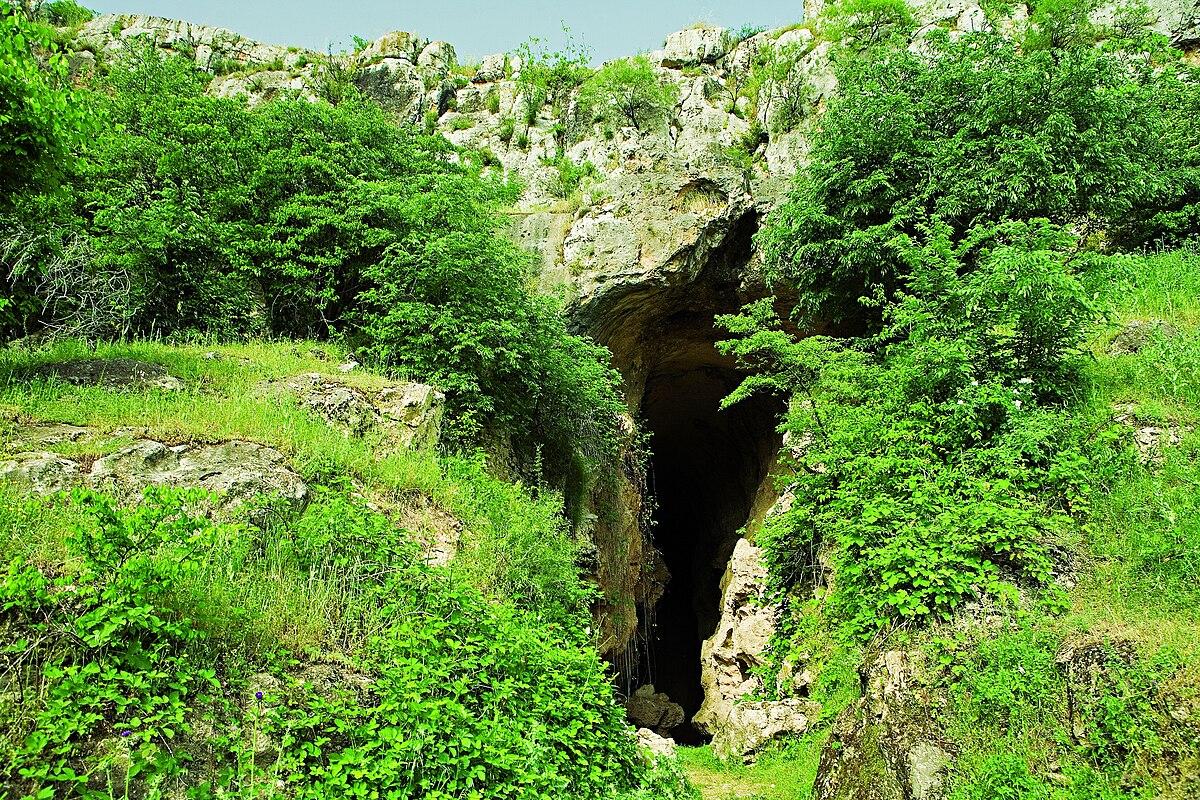 Azokh Cave3.jpg