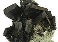 Babingtonite-Prehnite-bab12b.jpg