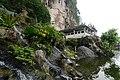Batu caves (18975887945).jpg