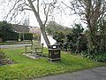 Bench at fork of Sinah Lane and Park Road - geograph.org.uk - 742606.jpg