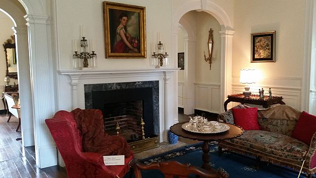Berkeley Plantation interior, photo taken by user Pi3. 124 on Wikimedia Commons