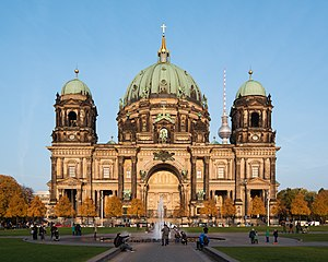 Berlin Cathedral - Berlin Cathedral seen from Lustgarten