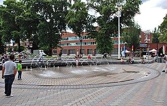 Fountains in Portland, Oregon - The Bill Naito Legacy Fountain in 2012