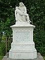 Blauwhuis - Piëta grafmonument voor pastoor Evers.jpg