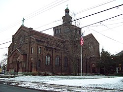 Blessed Trinity Roman Catholic Church Dec 09.JPG
