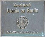 Bronzeschild - Gesellschaft Urania zu Berlin.jpg