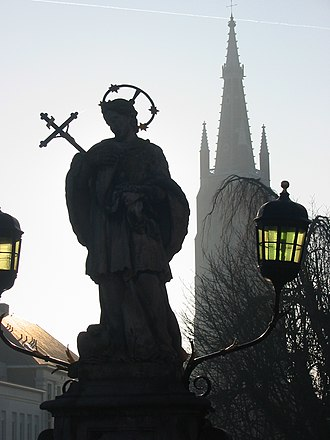 Church of Our Lady, Bruges - Image: Brugge statue and church