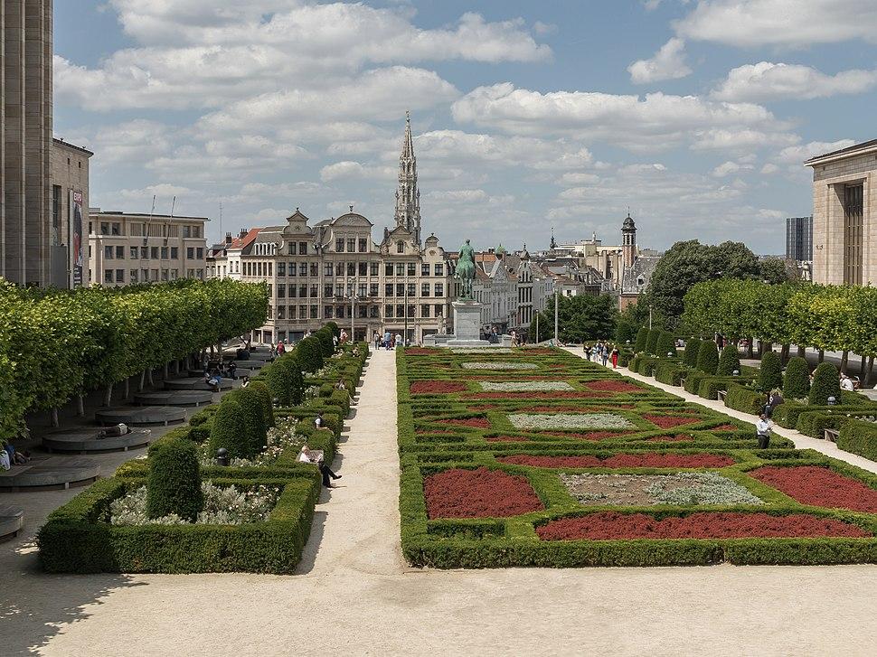 Brussels, Jardin du Mont des Arts foto5 2015-06-07 14.01