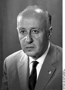 Bundesarchiv Bild 183-B0917-0008-001, Albert Norden.jpg