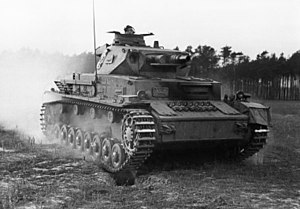 Medium tank - Image: Bundesarchiv Bild 183 J08365, Ausbildung, Überrollen durch Panzer