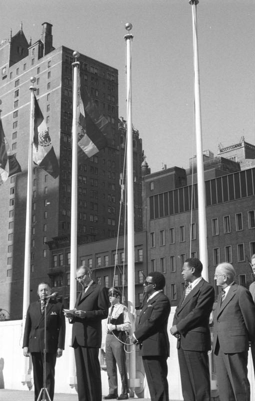 Bundesarchiv Bild 183-M0925-314, Aufnahme der DDR in die UNO