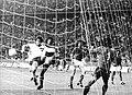 Bundesarchiv Bild 183-N0618-0042, Fußball-WM, DDR - Chile 1-1.jpg