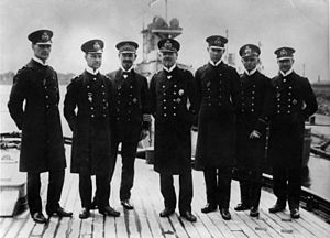 Franz von Hipper - Admiral Hipper (center) with his staff in 1916. Second from left: Erich Raeder, the future Großadmiral during World War II.
