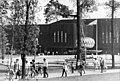 "Bundesarchiv Bild 183-Z0514-038, Berlin, Wuhlheide, ""Pionierpalast Ernst Thälmann"", Springbrunnen.jpg"
