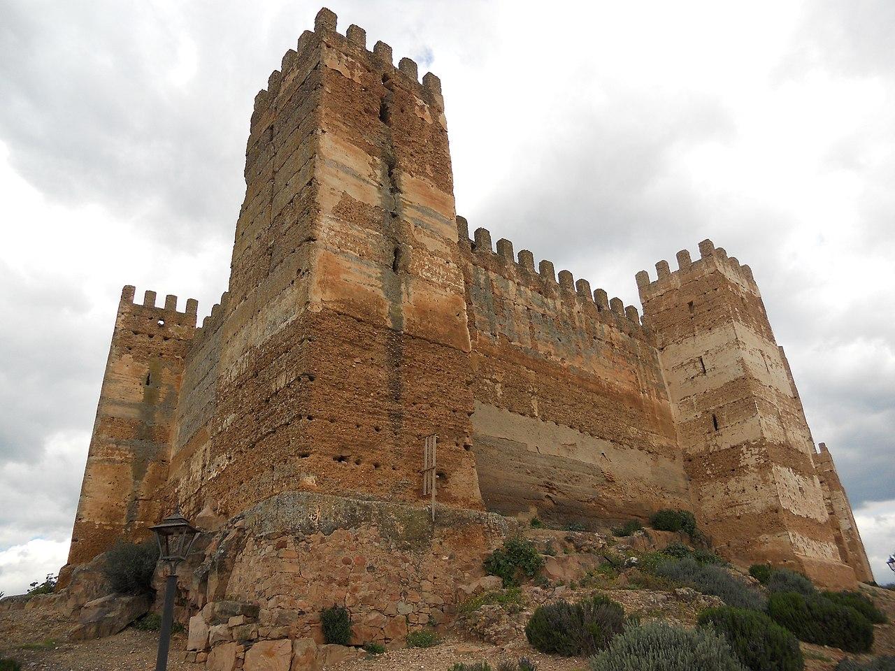 File:Burgalimar Castle in Baños de la Encina (Jaén).jpg ...