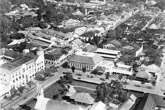 COLLECTIE TROPENMUSEUM Luchtfoto van Medan TMnr 10015046