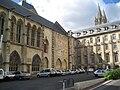 Caen abbayeauxhommes cour salledesgardes.jpg