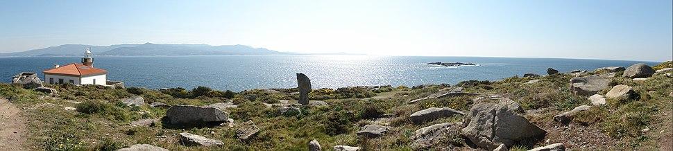Camino hacia el Monte Louro (Muros, A Coruña, Galicia, España) 11