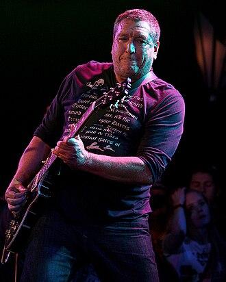 Steve Jones (musician) - Jones in 2008