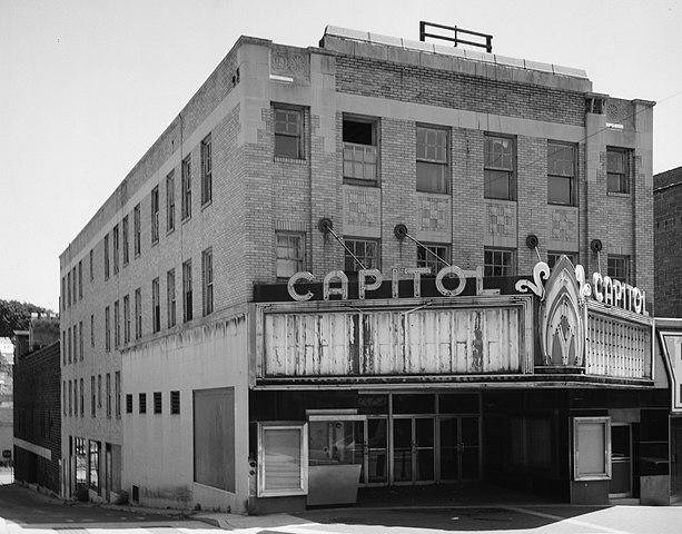 filecapitol theatre pottsvillejpg wikimedia commons