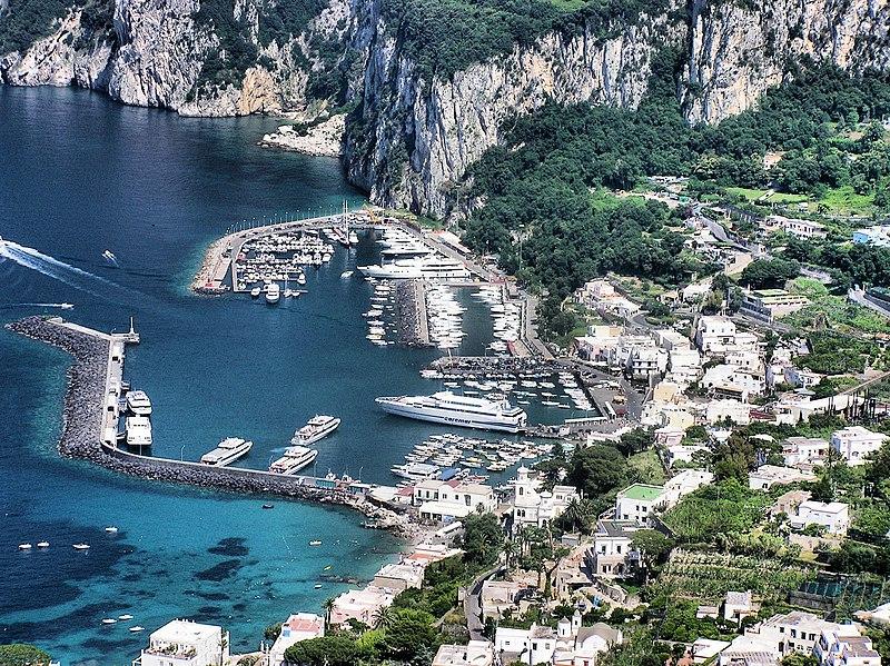 File:Capri.harbour.from.above.arp.jpg
