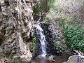 Cayendo agua eb una charca 1 - panoramio.jpg