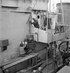 Cecil Beaton Photographs- Tyneside Shipyards, 1943 DB132.jpg