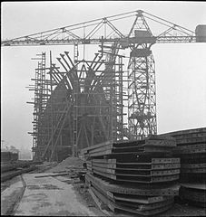 Cecil Beaton Photographs- Tyneside Shipyards, 1943 DB59.jpg