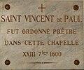 Château-l'Evêque église plaque.JPG