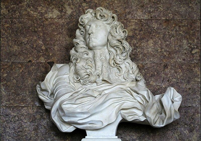 Giovanni Lorenzo Bernini - Page 2 800px-Ch%C3%A2teau_de_Versailles%2C_salon_de_Diane%2C_buste_de_Louis_XIV%2C_Bernin_%281665%29_03