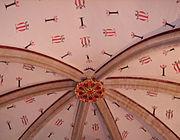 Florón policromado en la Catedral de Canterbury