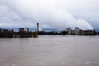 Chinon Nuclear Power Plant - Image: Chinon nuclear power plant