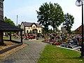 Cieszowa - cmentarz przy kościelny. - panoramio (1).jpg