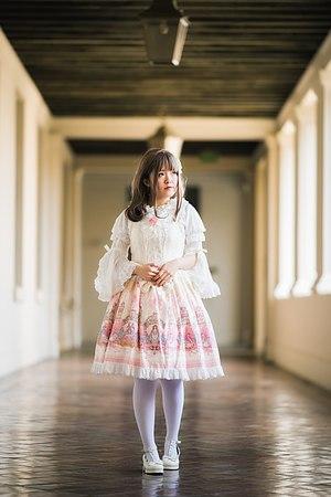 Lolita fashion - Image: Classic Lolita Style Women