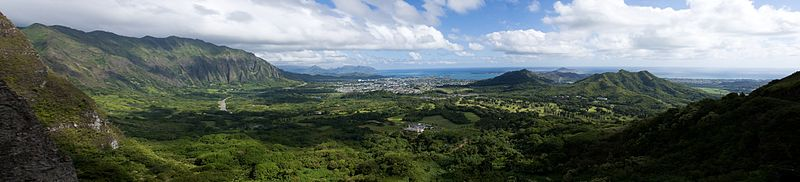 Bestand:Cliffs of the Koolau Range, Oahu 57.jpg