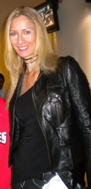 Carolyn Moos - Moos, 2010