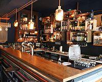 Cocktail-Bar (Kleines Phi) in Hamburg.jpg
